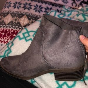 American eagle booties/ ankle boot